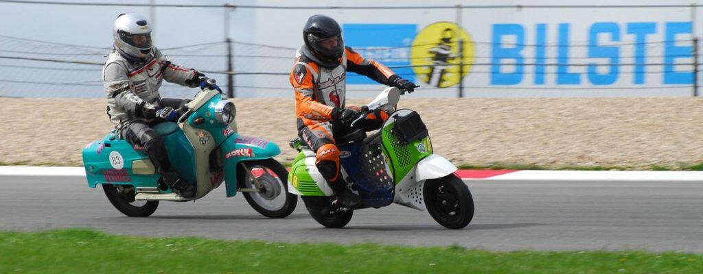 Kölner Kurs 2016 – Auf der Strecke / Rollerklasse (Copyright Krog Racing Team)